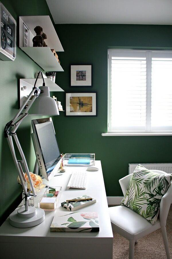 Enough lighting for workspace work from home Ways to decorate your desk to motivate you while working from home 98339812 2670714079863582 5993931099871379456 n